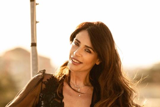 Raffaella Mennoia Intervista - Tra beauty routine, carriera e amore